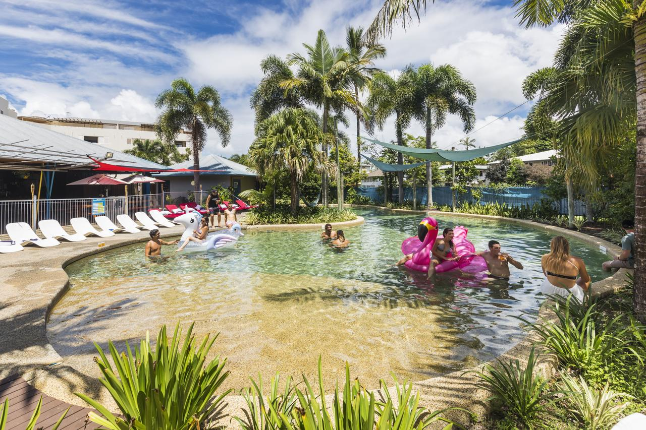 Summer House Backpackers Cairns - Whitsundays Tourism