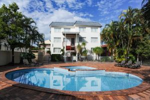 Earls Court Motel  Apartments - Whitsundays Tourism