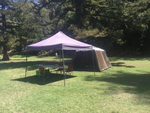 Basin Ku-ring-gai Campsite Set Up - Whitsundays Tourism