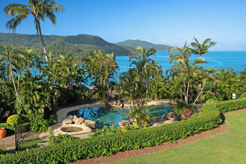 Bella Azure Two Bedroom Two Bathroom Spacious Ocean-view Apartment With Golf Buggy - Whitsundays Tourism