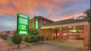 Bent Street Motor Inn - Whitsundays Tourism